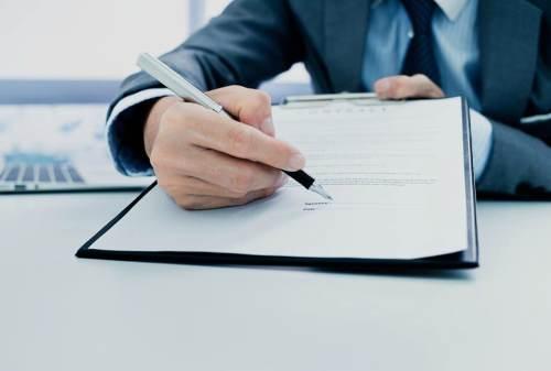 Karyawan Kontrak vs Karyawan Tetap, Ini 5 Perbedaan Dasarnya! 02 - Finansialku