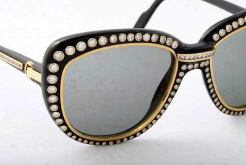 10 Kacamata Termahal Di Dunia, Harganya Setara Rumah, WOW! 01 Cartier Paris 18k Gold Sunglasses - Finansialku