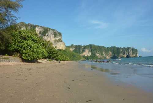 Murah Meriah! Pahami 5+ Tips Backpacker ke Thailand Sendirian 02 - Finansialku