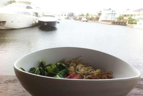 7+ Tempat Wisata Kuliner Jakarta Yang WAJIB Kamu Cicipi dengan Mie sebagai Menu Utama 01 - Finansialku