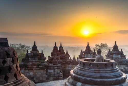 5 Important Reasons Why You Should Visit Borobudur Temple 04 - Finansialku