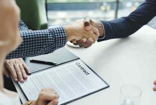 Karyawan Kontrak vs Karyawan Tetap, Ini 5 Perbedaan Dasarnya! 01 - Finansialku
