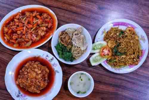 7+ Tempat Wisata Kuliner Jakarta Yang WAJIB Kamu Cicipi dengan Mie sebagai Menu Utama 07 - Finansialku