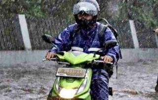 6 Cara Memilih Jas Hujan yang Aman dan Nyaman 01