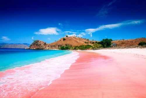TOP 7 Pantai Terindah di Indonesia yang SUPER KEREN untuk Solo traveller 01