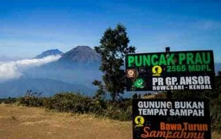 Suka Naik Gunung Yuk Telusuri Pesona Keindahan Gunung Prau di Kawasan Dieng 01