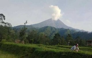Lima Kali dalam Tiga Bulan, Gunung Merapi Erupsi Lagi 02