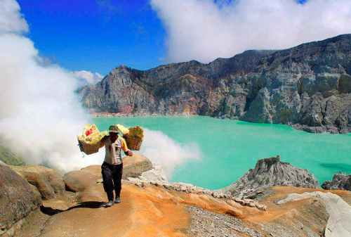 Kawah Ijen Challenging Yet Exciting Hike To Ijen Blue Fire 04 - Finansialku