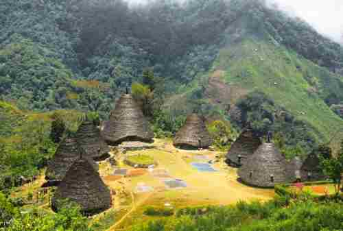 Attractions You Must Visit In Flores Indonesia 05 - Finansialku