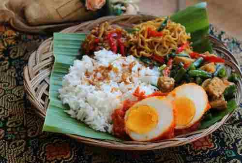 Ini 5+ Makanan Khas Bali yang HARUS Kamu Coba! 04 - Finansialku