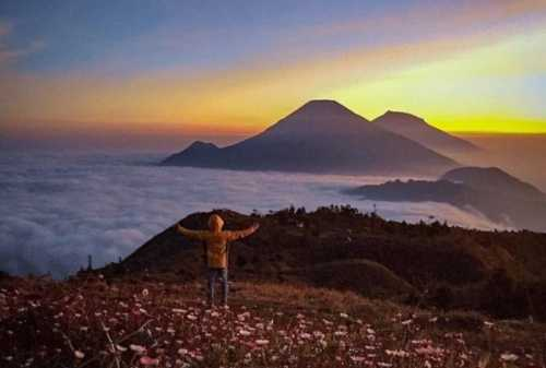 Suka Naik Gunung Yuk Telusuri Pesona Keindahan Gunung Prau di Kawasan Dieng 02
