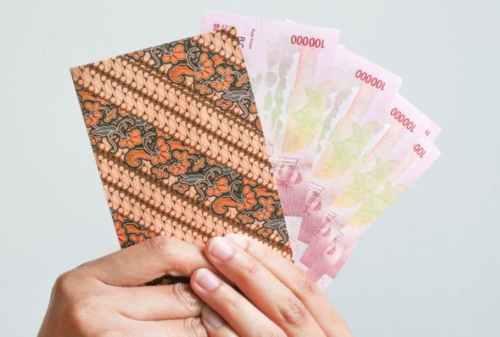 Tunjangan Hari Raya (THR) dan Gaji Ke-13 Nyaris Tak Akan Cair - Finansialku