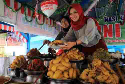 Nikmati 5+ Kuliner dan Tradisi Unik Budaya Minangkabau Ini! nasi kapau
