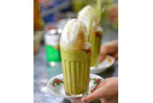Yummy! Ini 7 Kuliner Medan Rasa Manis Manis yang Murah Meriah 02 - Finansialku