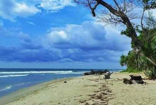 Top 5 Tempat Wisata di Bengkulu yang Menarik Dikunjungi Solo Traveler 04 - Finansialku