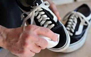 Cara Mencuci Sepatu Untuk Mengembalikan Warna Sepatu yang Pudar 01 - Finansialku