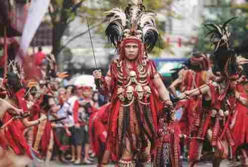 Ini Lho Budaya Suku Minahasa yang Sangat Ikonik!