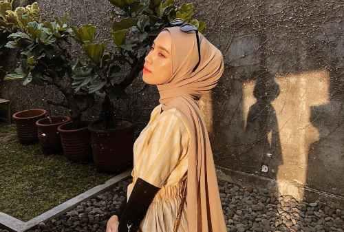 Jajal 10+ Style Hijab Pashmina Simple yang Cocok Bagi Mahasiswa & Karyawan 04 - Tucked - Finansialku