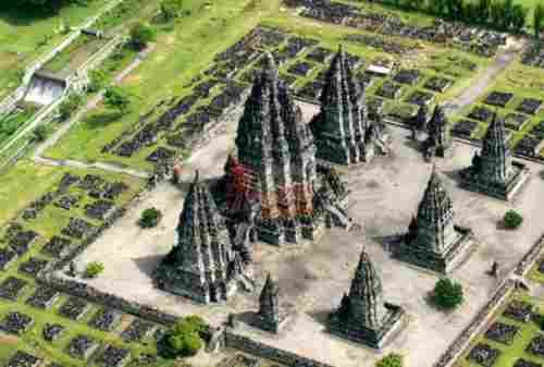 The Magical Legacy Of Gods At Prambanan Temple 05 - Finansialku