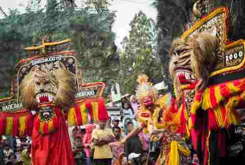 Ini Dia Bedanya Kebudayaan Reog Ponorogo dan Reog Jawa Barat 03 - Finansialku