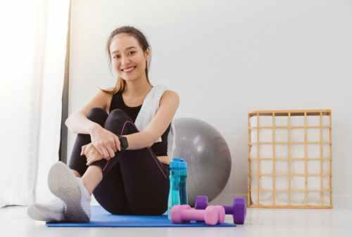 Ini Gerakan Cara Melatih Otot Dada di Rumah Tanpa Harus Pergi Ke Gym! 01 - Finansialku