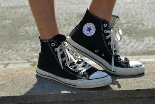 Jangan Jorok! Ini Cara dan Tips Perawatan Sepatu Converse 02 - Finansialku