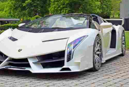 Mobil 1 Lamborghini Veneno