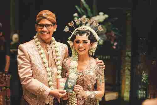 Pernikahan Adat Jawa Prosesi, Ritual, dan Maknanya 03 - Finansialku