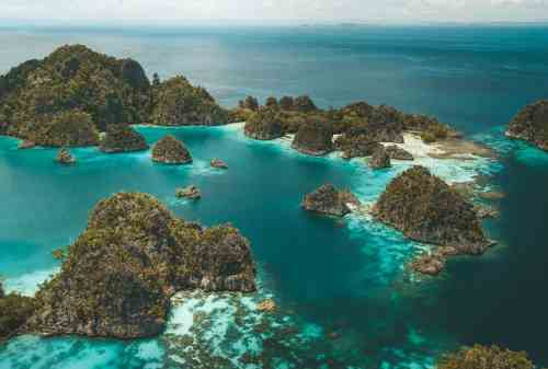 A Paradise in The Eastern Indonesia, Raja Ampat 01 - Finansialku