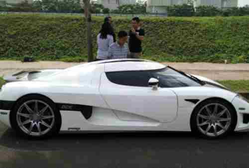 Mobil 4 Koenigsegg CCXR Trevita