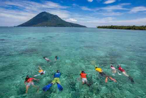 Bunaken National Park, A Paradise In the North of Sulawesi 00 - Finansialku