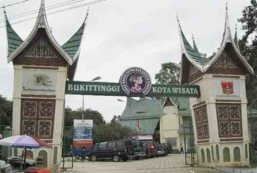 Bukittinggi, The Truly West Sumatera Tourism Pride 07 Zoo and Cultural Park - Finansialku