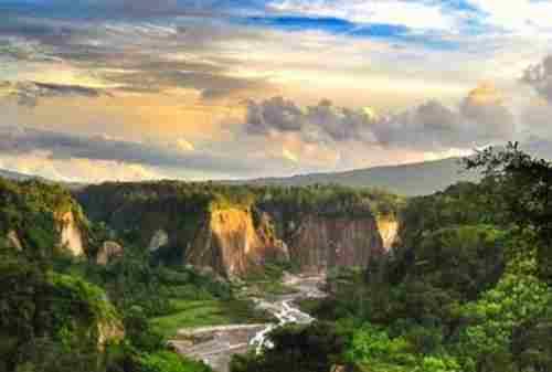 Bukittinggi, The Truly West Sumatera Tourism Pride 09 Ngarai Sianok - Finansialku