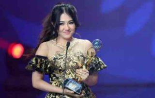 Kisah Sukses Via Vallen, Penyanyi Beken Indonesia 01 - Finansialku