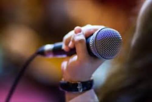 Bergelimang Harta, Ini 10 Daftar Penyanyi Terkaya di Dunia 02 - Finansialku