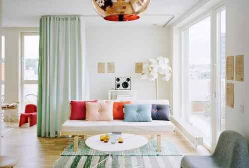 Rumah Sempit Baca Rekomendasi Dekorasi Ruang Tamu yang Cocok! 04 - Finansialku