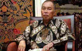Kisah Sukses Iwan Tirta, Pemilik Rumah Batik Terkenal Indonesia 01 - Finansialku