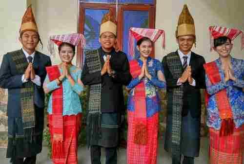 Dari Semua Pakaian, Ini Dia Pakaian Adat Paling Unik di Indonesia! 05 - Finansialku