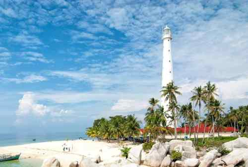 Lighthouse in Lengkuas Island