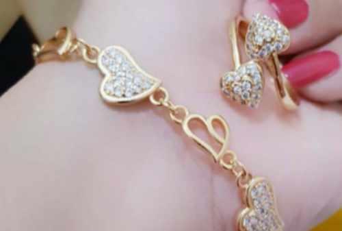 Apa dan Berapa Harga Perhiasan Xuping di Pasaran 01 Finansialku