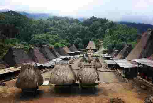 Jarang Wisatawan, Ini 10 Tempat Wisata di Ende yang Wajib Dikunjungi! 12 - Finansialku