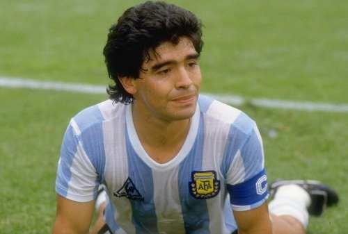 Diego Maradona Meninggal Dunia, Berikut Perjalanan Karirnya 02