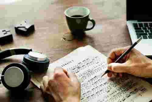 Tips Mengatur Keuangan Buat Kamu yang Hobi Main Musik 02 - Finansialku