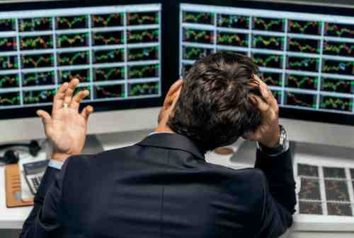 Panik (Panic Selling) Saat Trading YES or NO - Finansialku