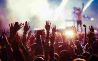 Bikin Pusing Kepala, Segini Harga Tiket Konser Musik Termahal di Dunia! 01 - Finansailku