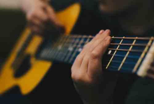 Tips Mengatur Keuangan Buat Kamu yang Hobi Main Musik 04 - Finansialku