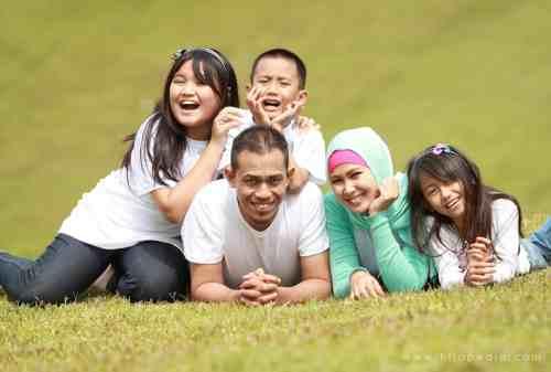 Suami atau Istri, Siapa yang Bertanggung Jawab Menghidupi Keluarga 01 - Finansialku