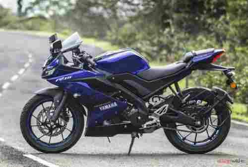 Motor Yamaha R15 01 Finansialku