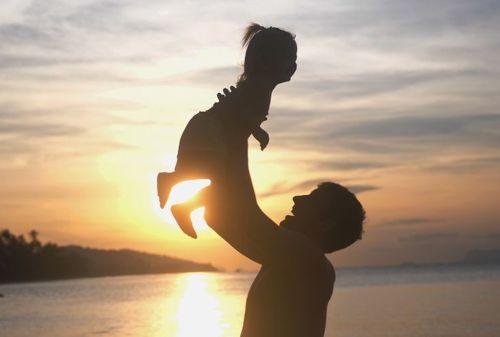 Peran Ayah Dalam Mengatur Keuangan Keluarga 01