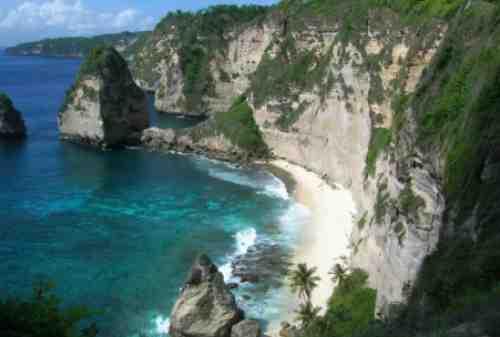Liburan di Nusa Penida bisa main di bukit Teletubies! 02 Finansialku